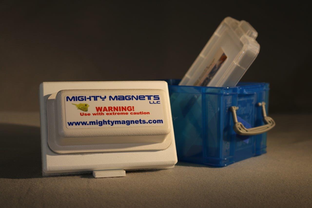 F 4 Mighty Magnet Llc
